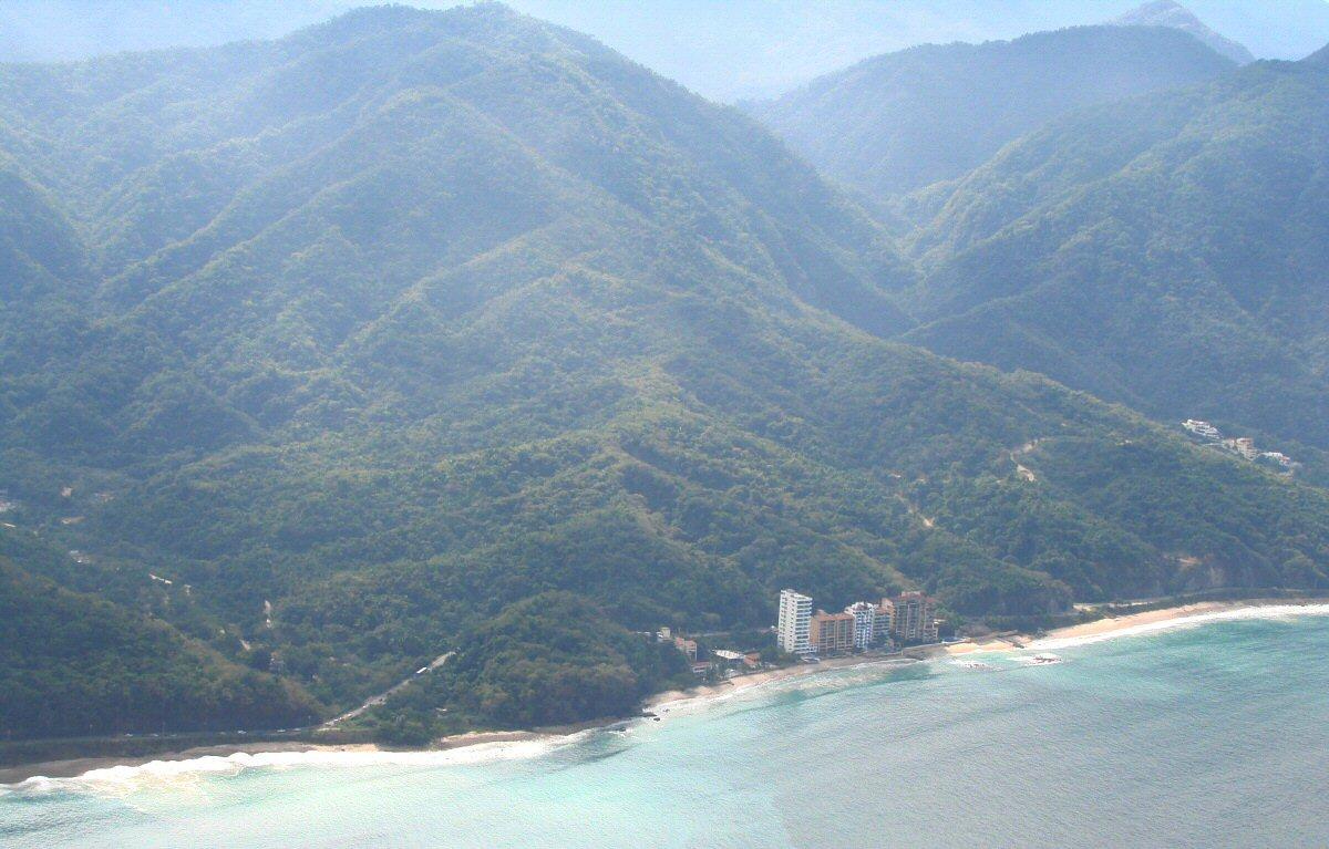 Flight to Manzanillo, Photographing the Playas